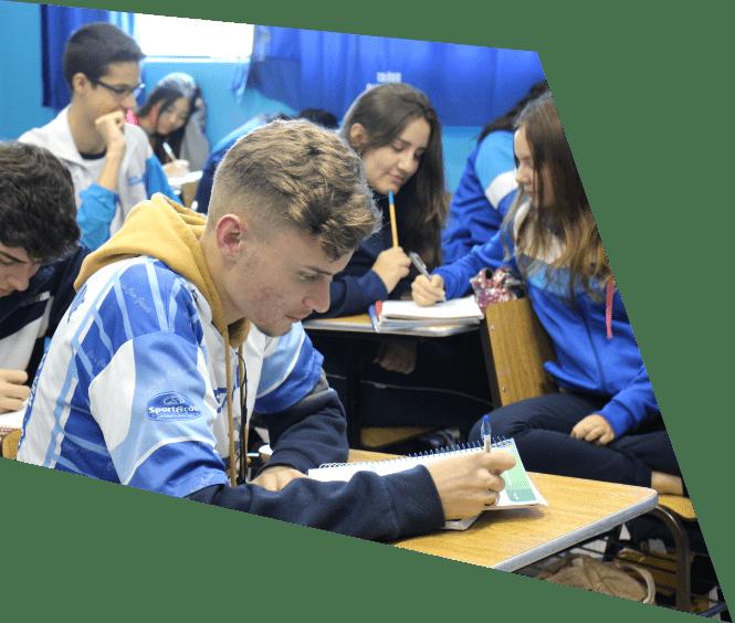 Ensino Médio no Colégio Casagrande
